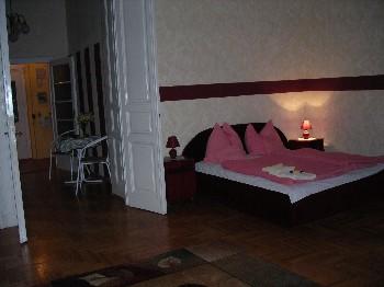 Tutto il mondo è paese: l'appartamento nel quale ho dormito l'anno scorso, a Budapest.
